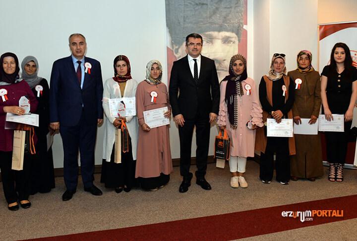 Erzurum Valisi, Dereceye Giren Katılımcılara Sertifika Verdi!