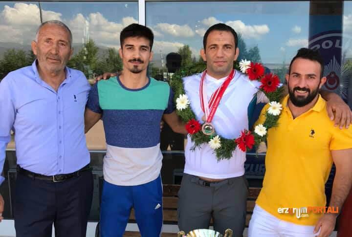 Erzurumlu Güreşçi Memleketinde