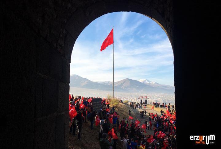 Ruslar Anadolu'yu Ele Geçirmek İçin Erzurum'a Kaç Defa Geldiler?