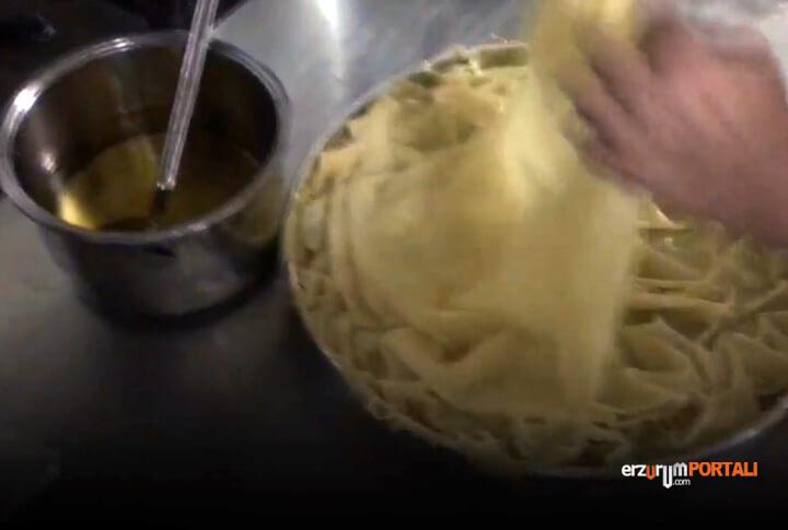 Su Böreği Nasıl Yapılar?