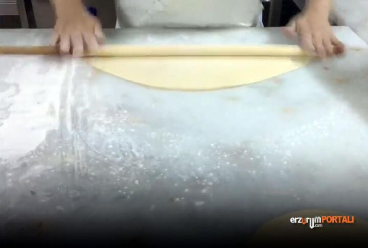 Erzurum'a Özgü Su Böreği Nasıl Yapılar?