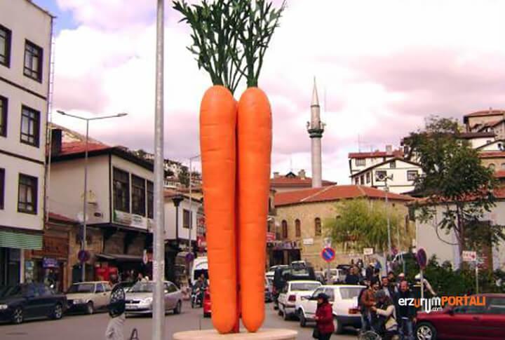 Ankara Beypazarı Havuç Heykeli