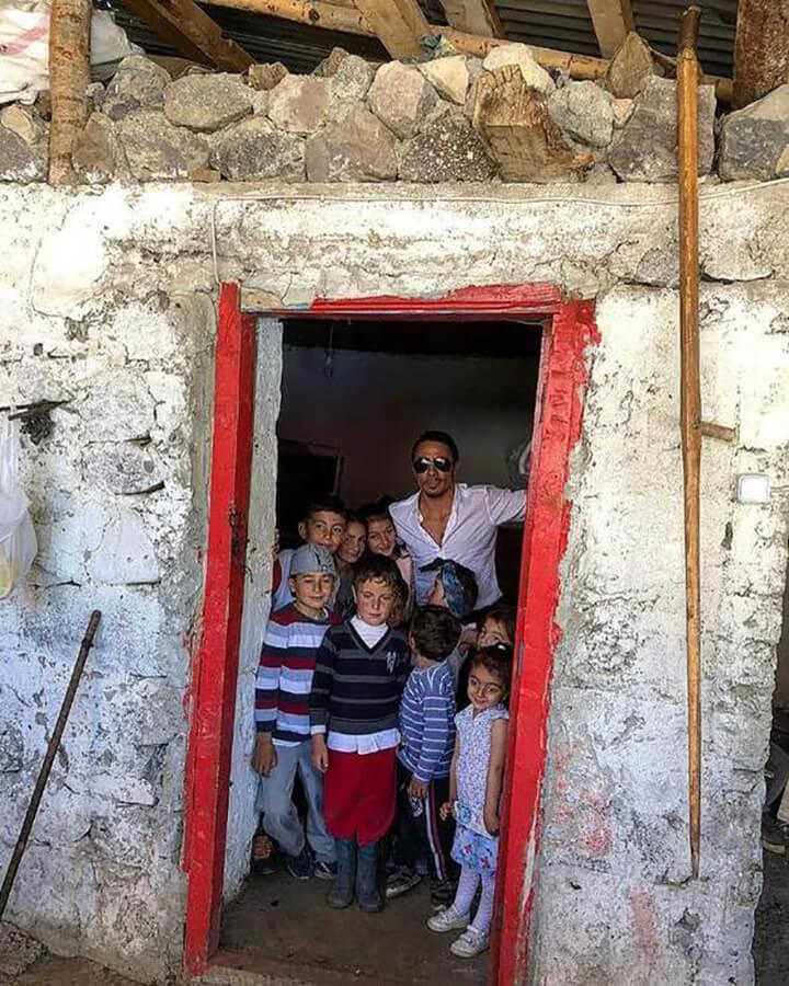 Nusret, Çocukluk Yıllarına Ait Fotoğrafı ile Gündemde!