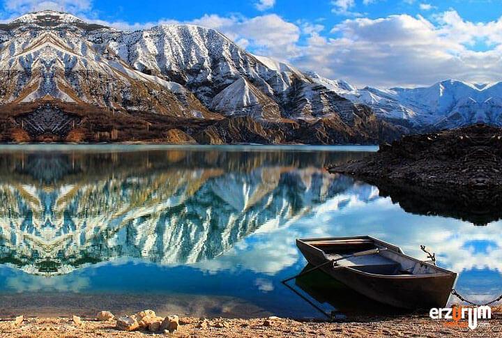 Tortum Gölü Kış Manzarası