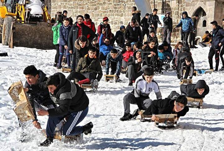 Erzurum Geleneksel Kızak Şenliği