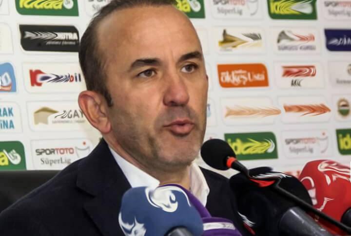 Büyükşehir Belediye Erzurumspor Teknik Direktörü Mehmet Özdilek