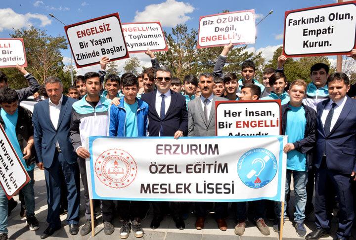 Erzurum'da Engelliler Farkındalık Yürüyüşü