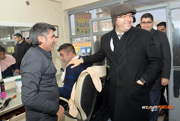 Erzurum Valisi Sahada!