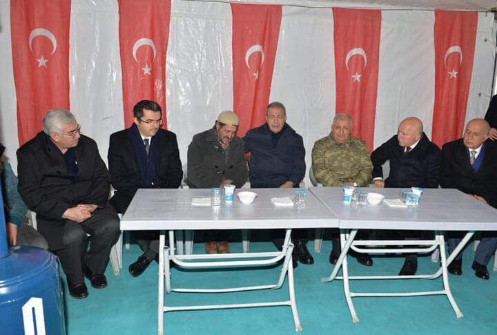 Bakan Akar ve Orgeneral Güler Taziye Ziyareti İçin Erzurum'da
