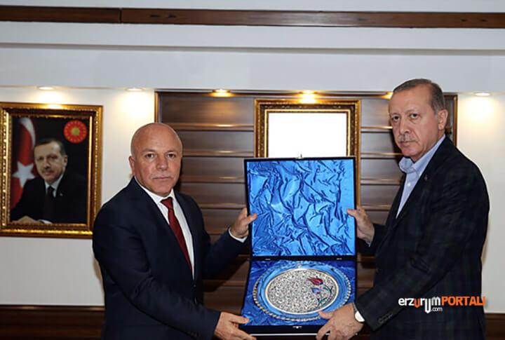 Mehmet Sekmen Kimdir