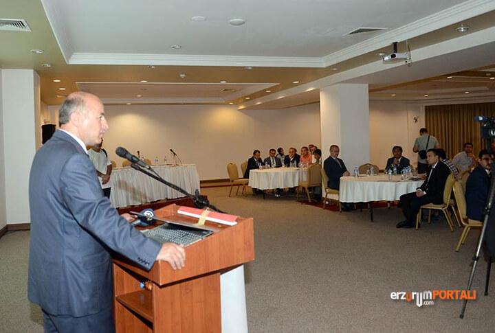 Erzurum Valisi Seyfettin Azizoğlu