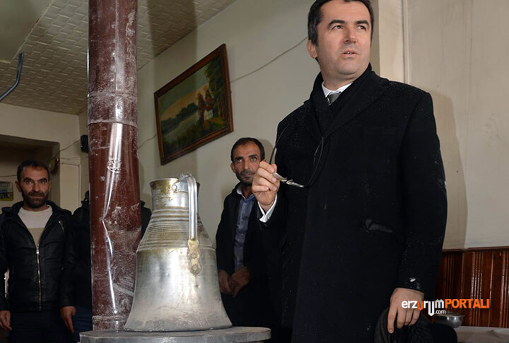Erzurum Valisi Okay Memiş Sahada