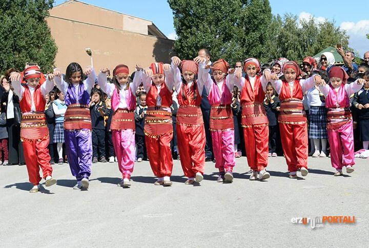 Erzurum Zil Çaldı Eğitim Başladı