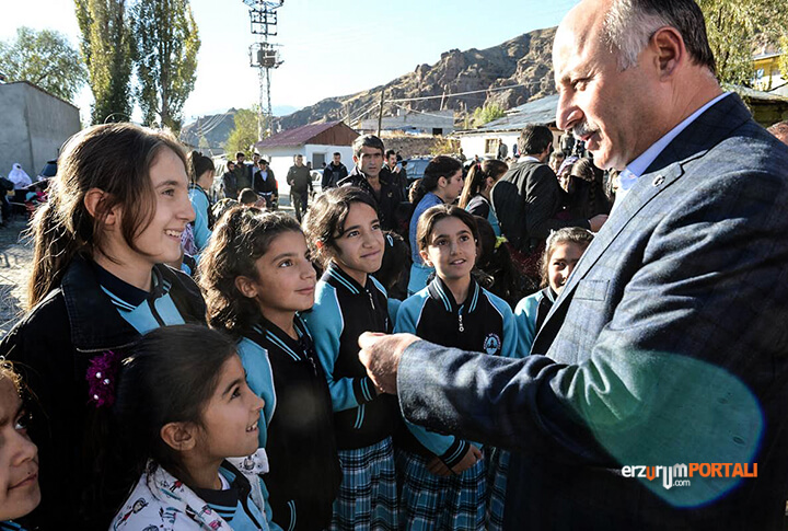 Erzurum öğrenci vali